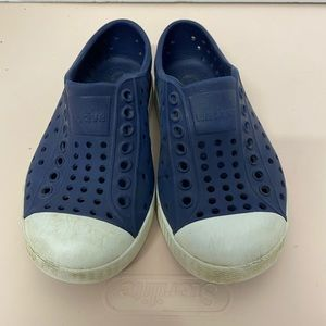 Kids native blue slip on/water shoes